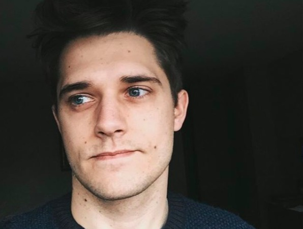 Photo of actor Andy Mientus taken from his Instagram page.