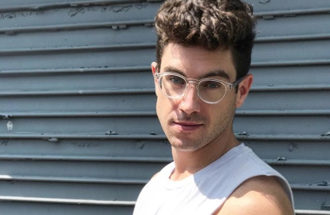 chappy-app-instastuds-hot-guy-glasses-gay