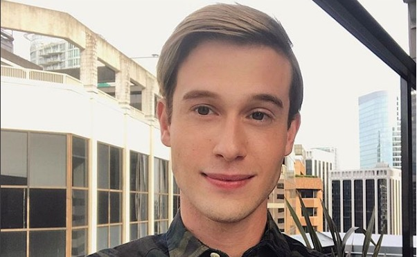 36d9027d702e  Hollywood Medium  Tyler Henry says dead people talk to him in the shower