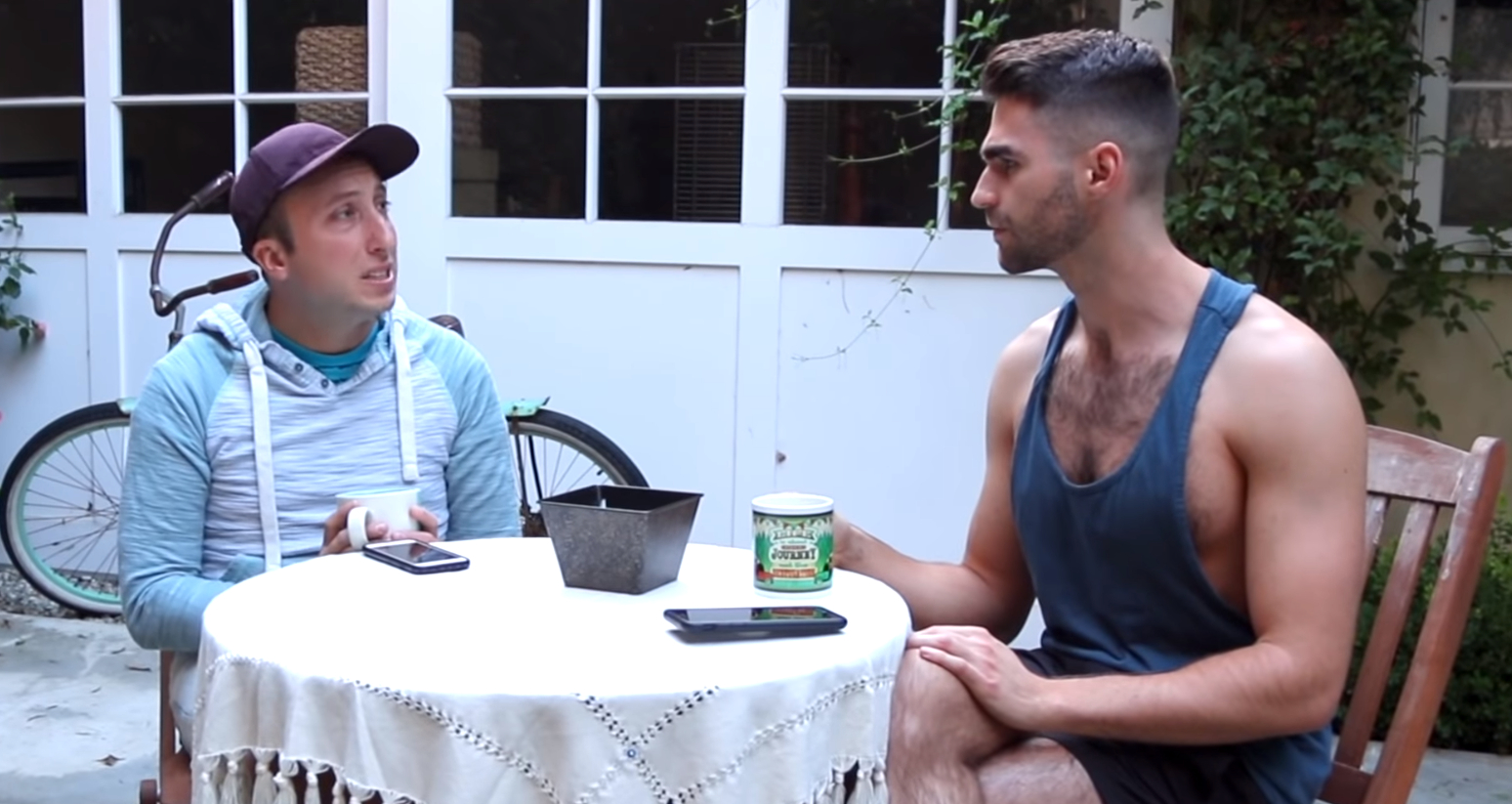 """""""It's science!"""" Comedian Michael Henry takes on """"pretty privilege"""" in new vid"""