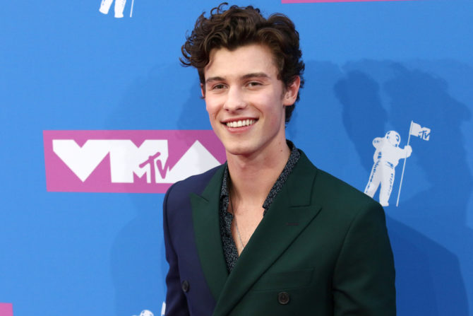 Shawn Mendes poses for the camera the the MTV Video Music Awards