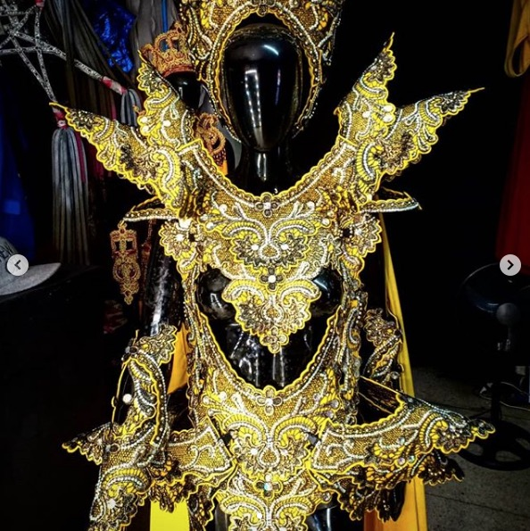 Photo of costume Manila Luzon would have worn on Drag Race All-Stars