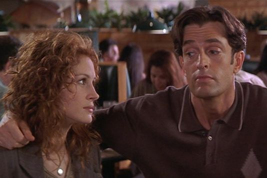 "Julia Roberts and Rupert Everett in 1997's ""My Best Friend's Wedding"""