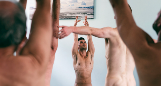 Dan carter yoga instructor/Naked Yoga