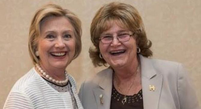 Hillary Clinton and Barbra Siperstein (Photo: Facebook)