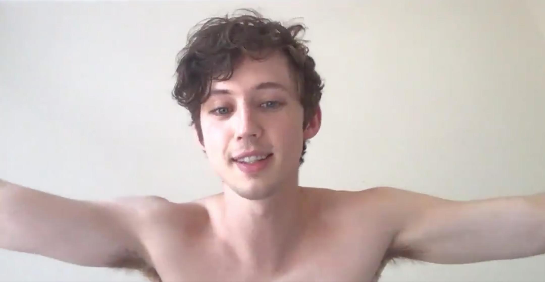 Sivan naked troye Troye Sivan
